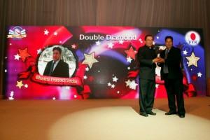Dr Lim Reconociendo Líderes DXN (5)