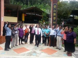 Lideres DXN Visitando Plantaciones En Malasia (3)