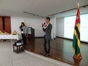 DXN Colombia En Capacitación Con Un Gran Líder (1)