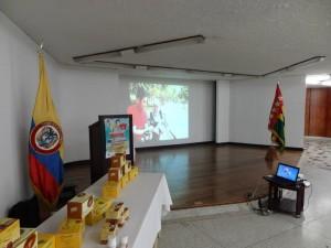 DXN Colombia En Capacitación Con Un Gran Líder (2)