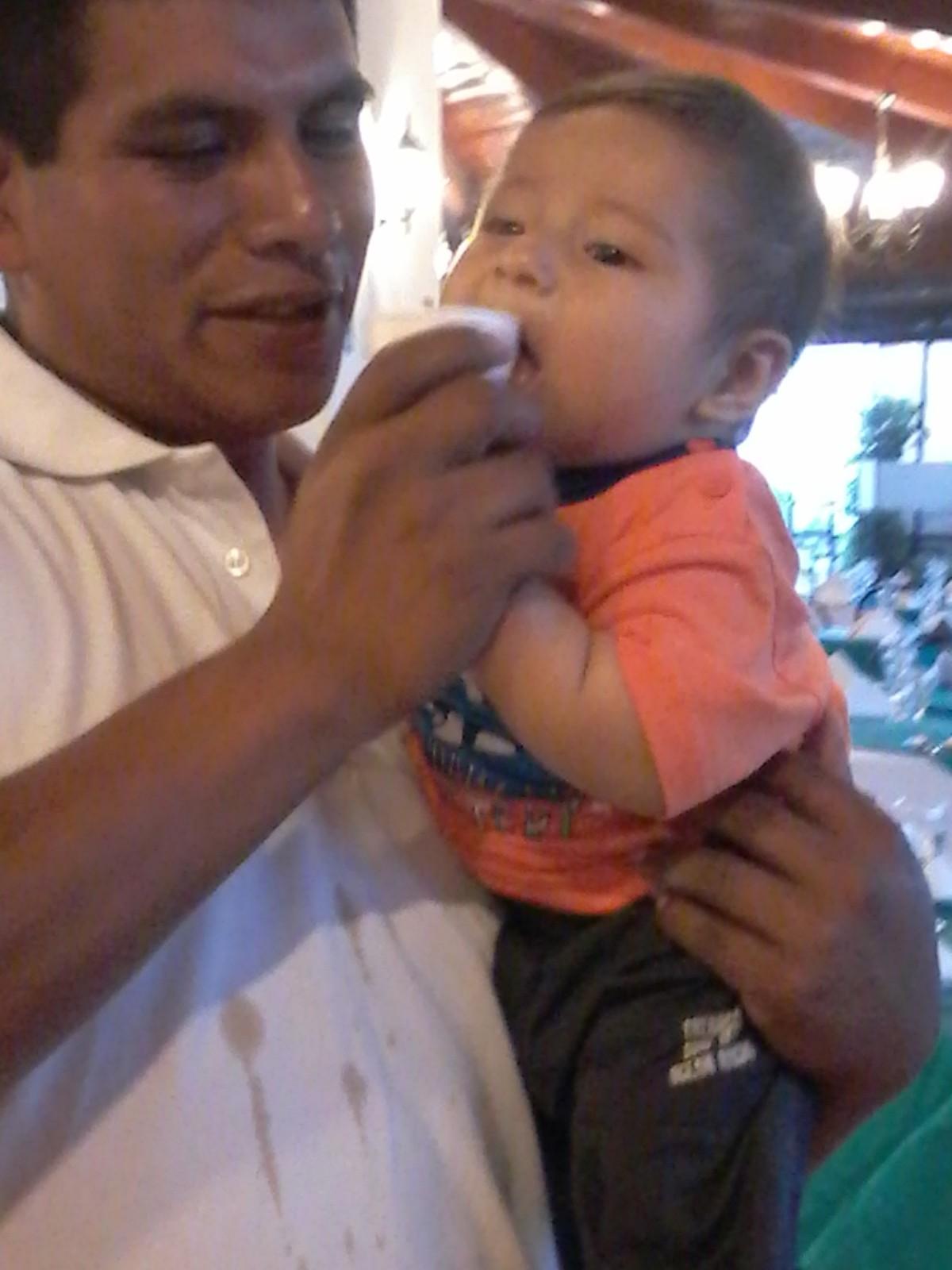 Café Lingzhi 3en1 Disfrutado Por Bebé De 5 Meses